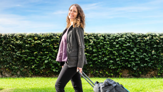 "The ""Professional Hobo's"" 8 Unconventional Money-Saving Travel Tips tumbnail"