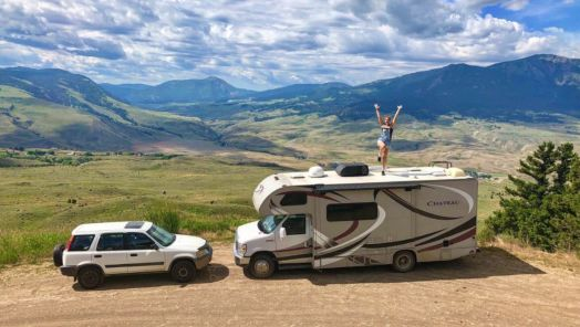 So, you're thinking of living the RV life. Here's what you need to know tumbnail