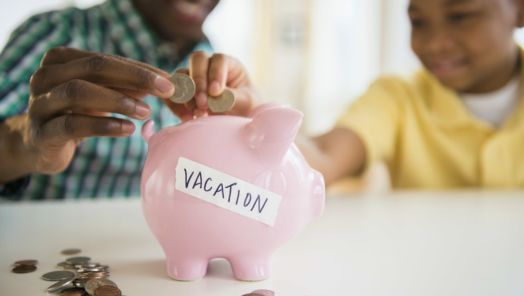 How to save money when you're traveling tumbnail