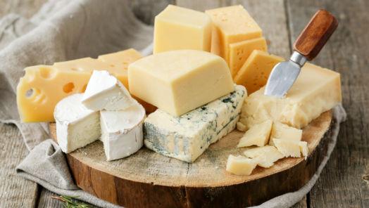 World's First Cheese Conveyor-Belt Restaurant Lands in London tumbnail