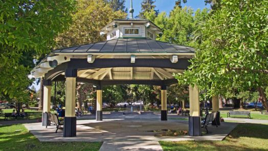 Locals Know Best: Healdsburg, California tumbnail