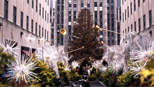 6 Things to Do in NYC During the Winter Holidays tumbnail