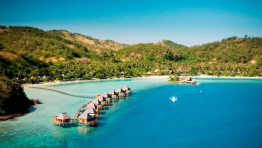Our Favorite Dreamy Overwater Bungalows tumbnail