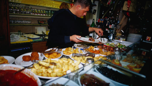 13 Dirty Secrets of the Restaurant Business tumbnail
