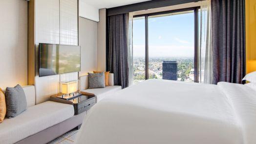 Travel Deal Los Angeles Sheraton near Universal starting at $195 a night tumbnail