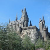 A view of the Hogwarts building at Universal Studios.