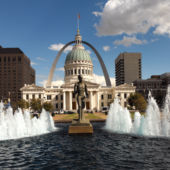 st louis arch and statue