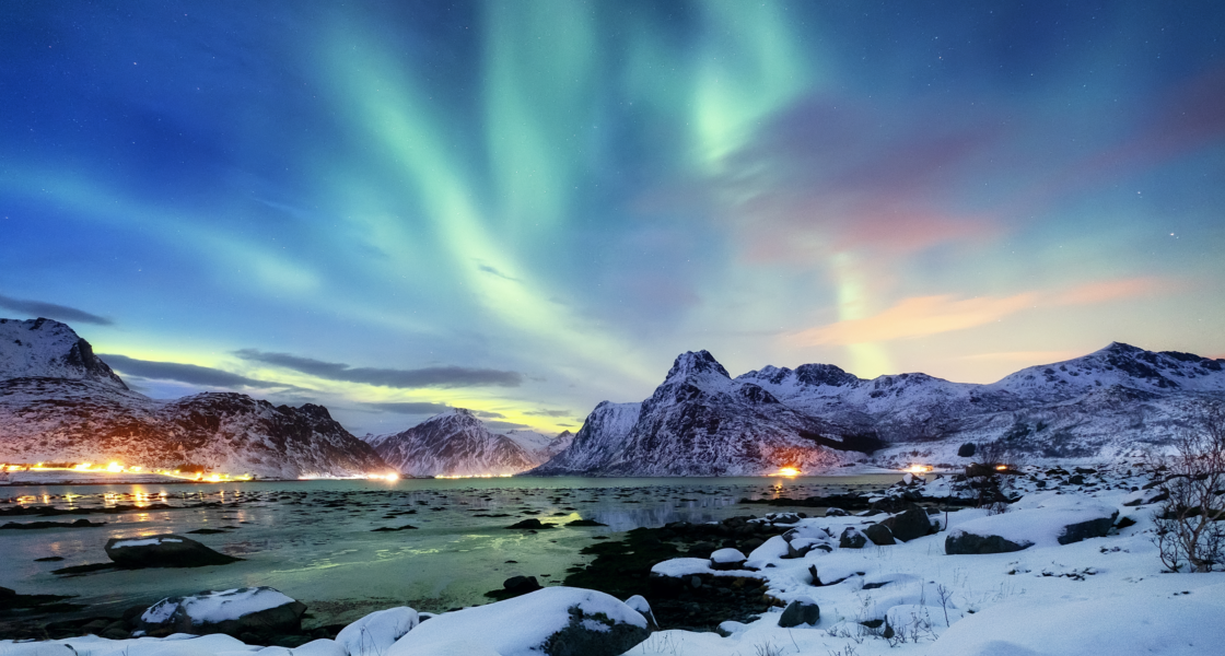 Everything You Need to Know to See The Northern Lights This Year