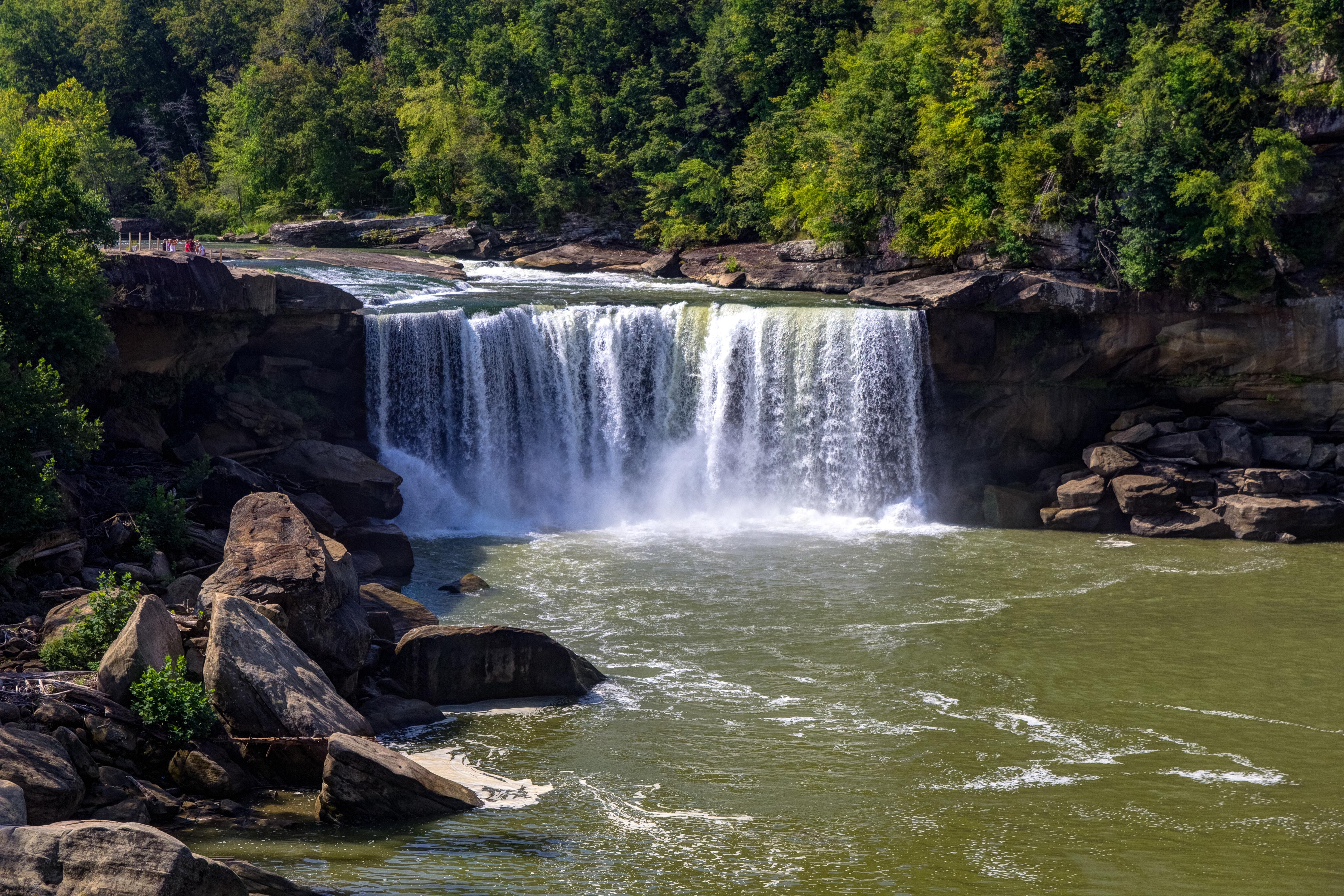 Cumberland-Falls-in-Corbin-Kentucky.jpg?mtime=20200115142637#asset:107692
