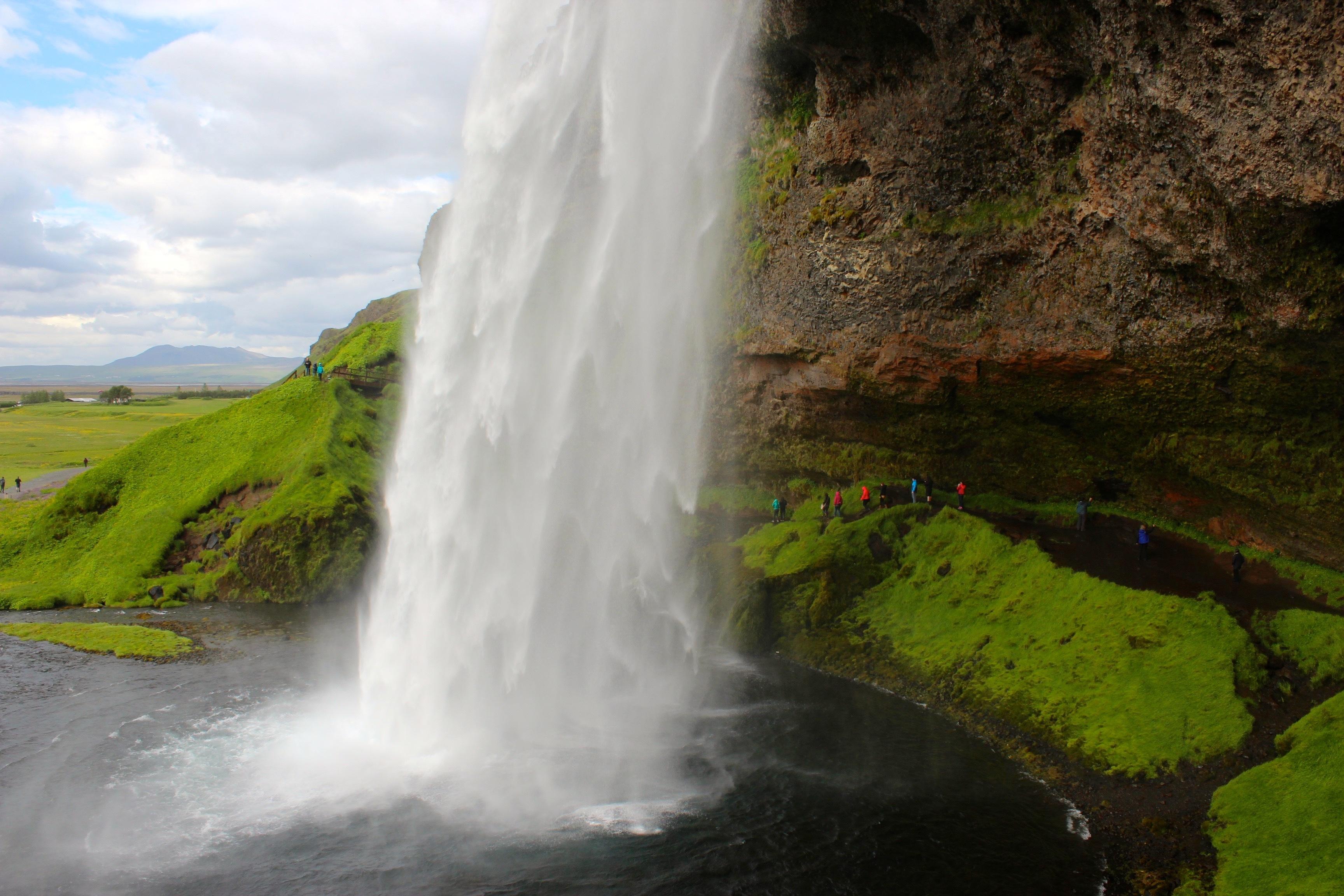 Seljalandsfoss-waterfall_Iceland_Marie-France_Roy.jpg?mtime=20190801115043#asset:106554