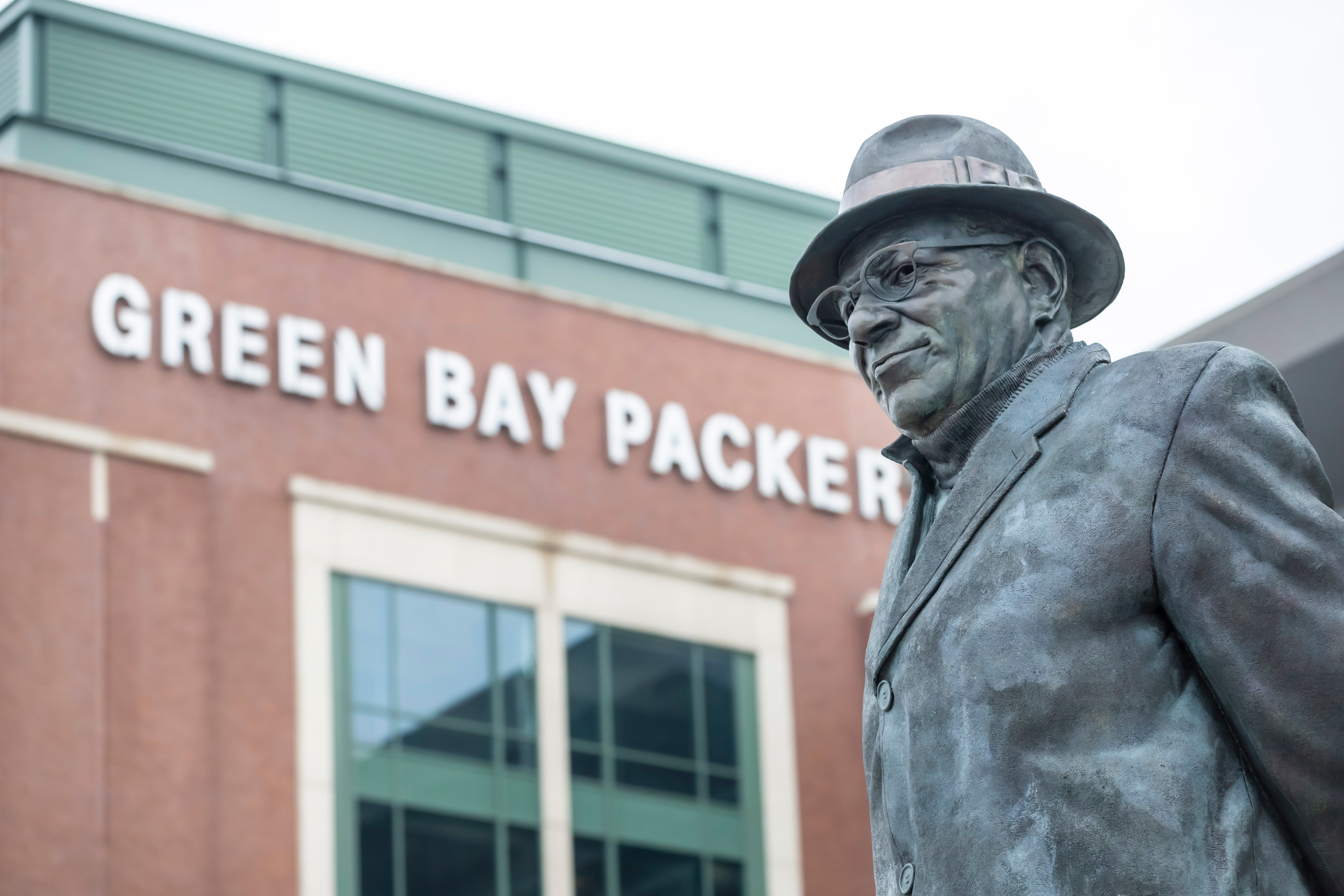 Statue-of-Vince-Lombardi.jpg?mtime=20200115144333#asset:107709