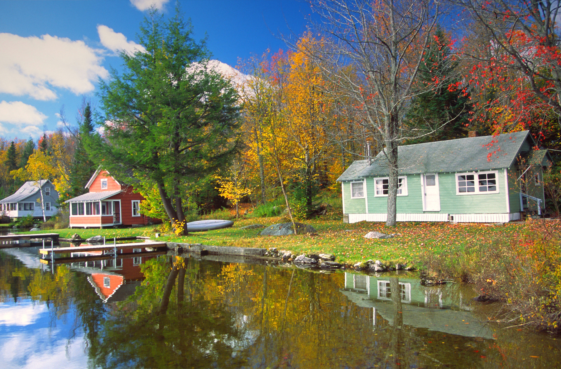 colorful-houses-on-a-lakeshore.jpg?mtime=20200124121739#asset:107778