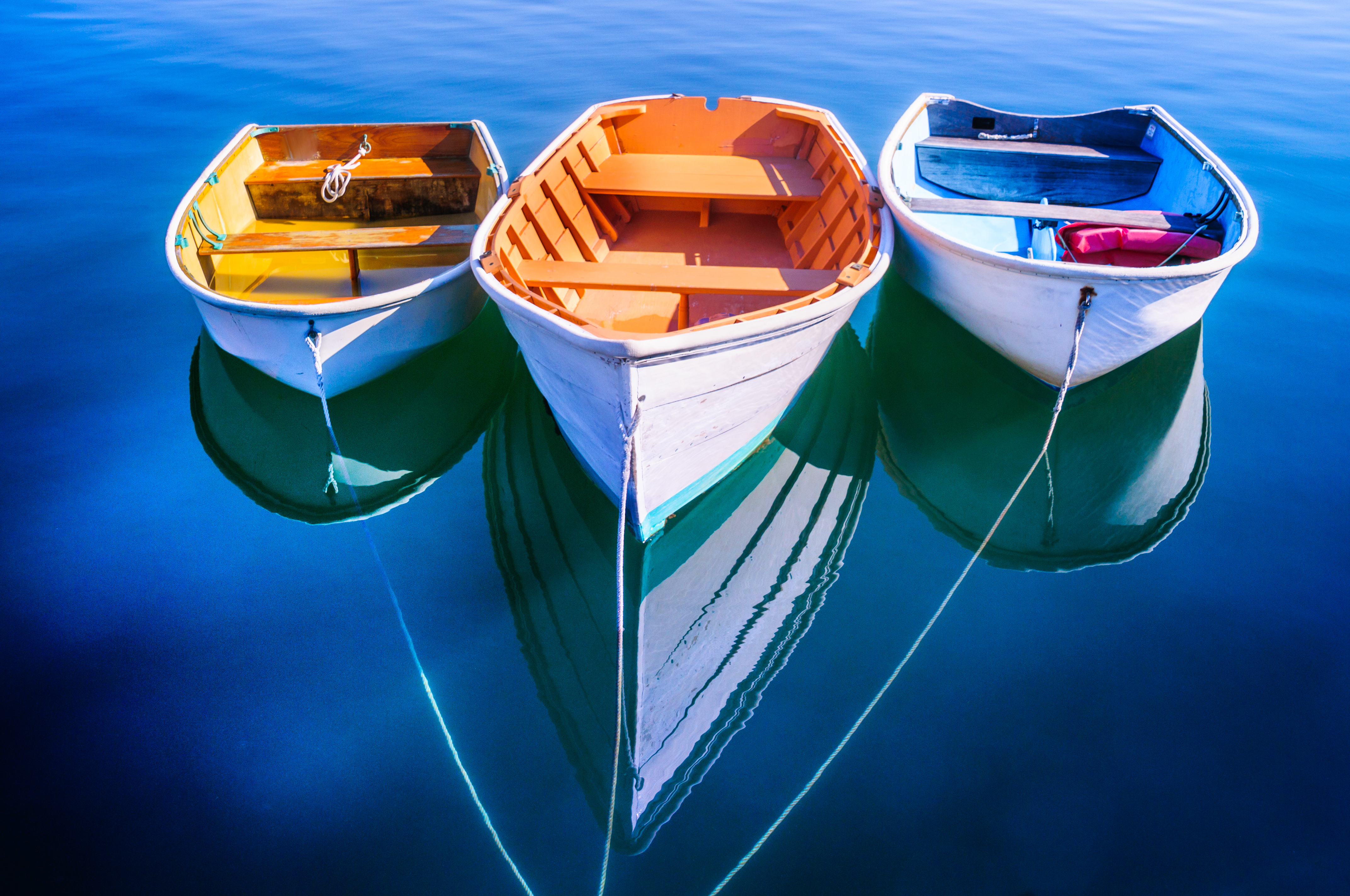 three-colorful-rowboats.jpg?mtime=20200124121733#asset:107776