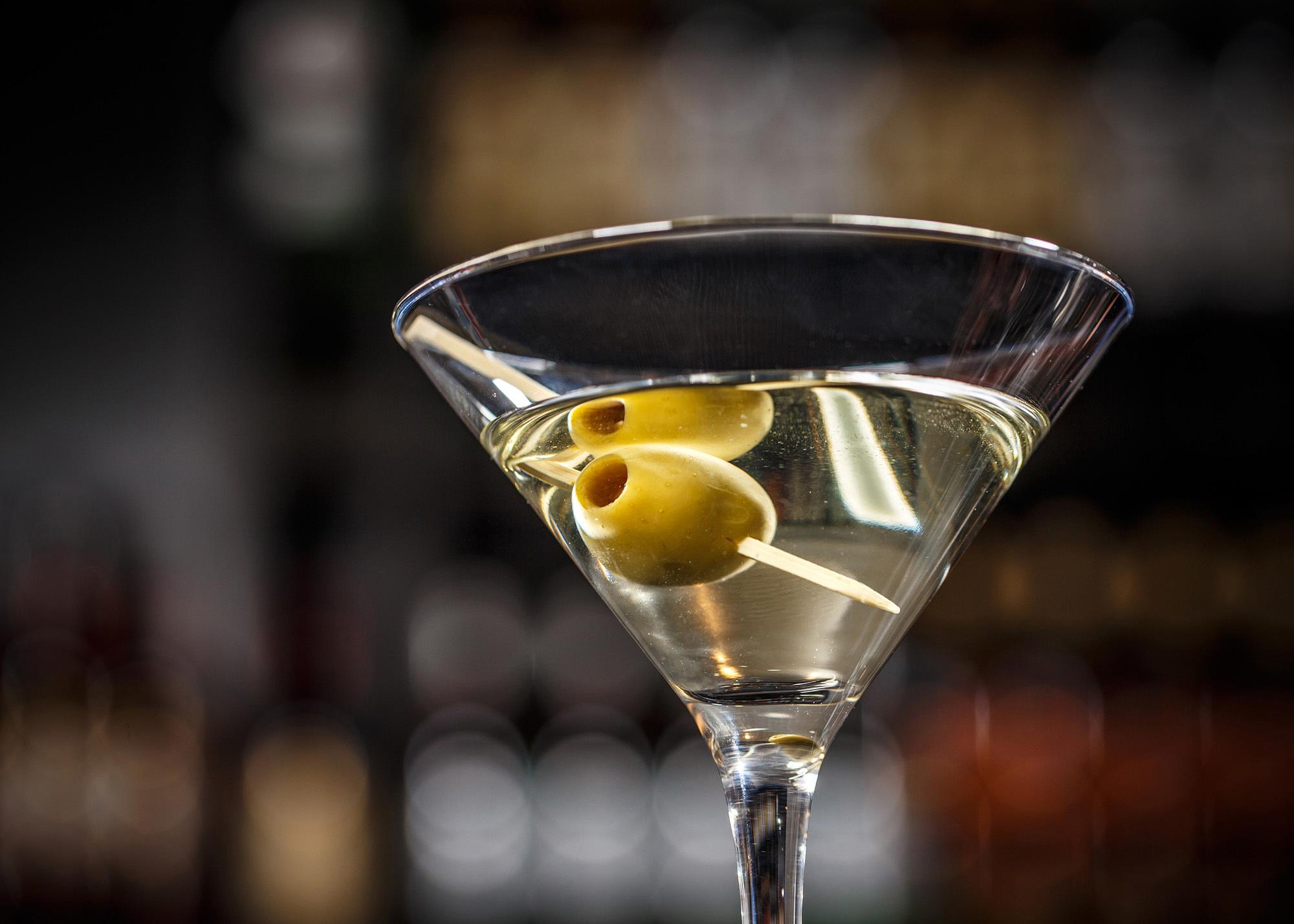 martini-drink.jpg?mtime=20190327090942#asset:105343