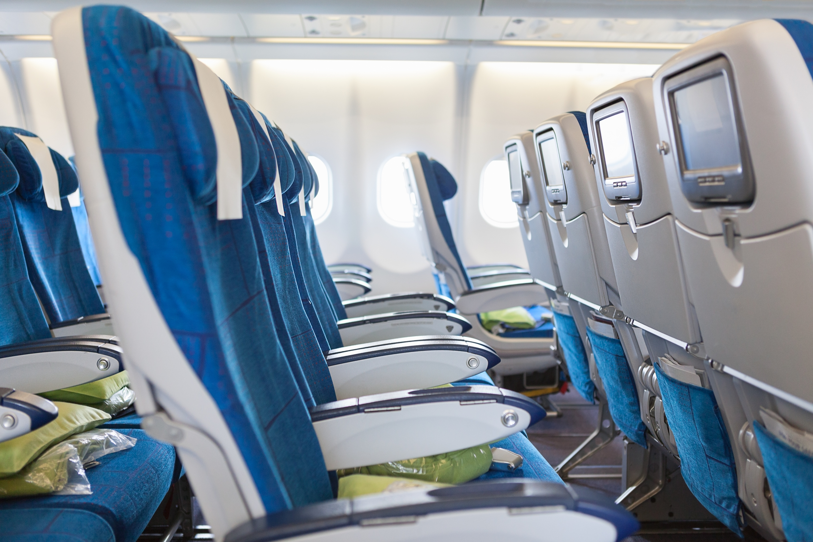 row-seats-plane.jpg?mtime=20180710131027#asset:102450