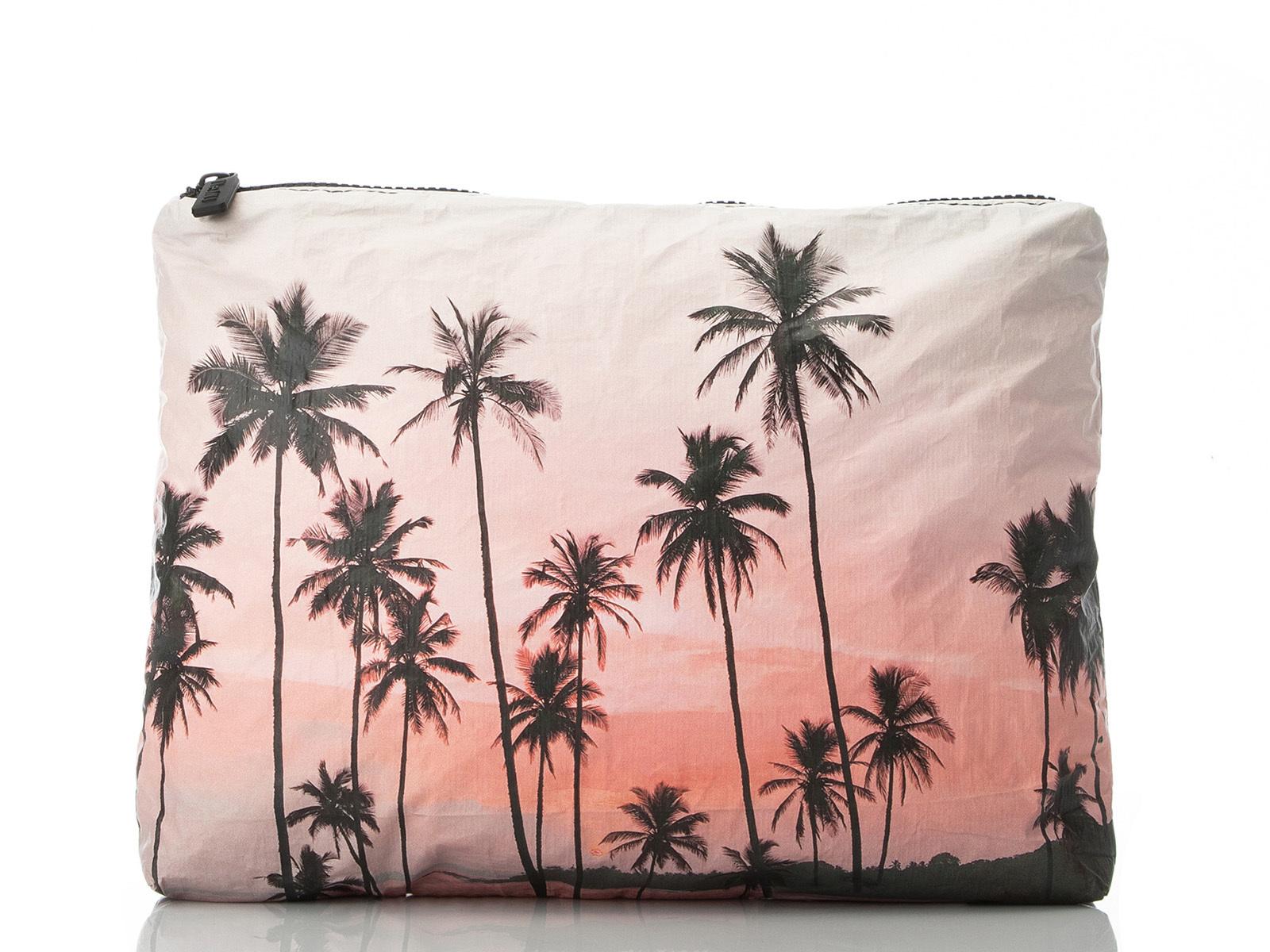 waterproof-pouch.jpg?mtime=20190415100640#asset:105515